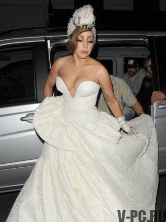 Леди Гага костюмы